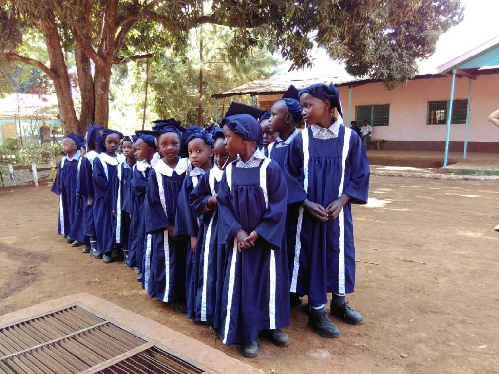 """""""Graduation"""" für die Schülerinnen und Schüler der Nursery Class (Vorschule)"""